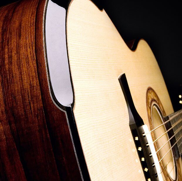 Alpine Spruce Soundboard, Brazilian Rosewood Back and Sides, Laskin Inspired Arm Rest, Ebony String-Through Bridge